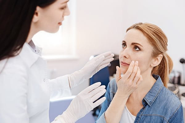 Acne doctor: when should I consult one