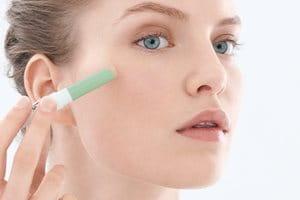 Šminka za kožu sklonu aknama