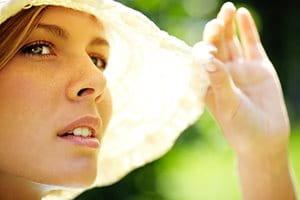 هل تساعد أشعة الشمس في تحسن حالة حب الشباب أم تجعلها أسوأ؟