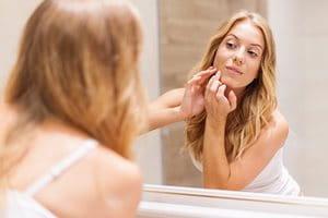 Was ist Erwachsenenakne? Wie entsteht Acne tarda?