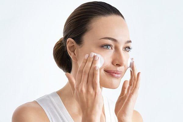Cleanse before applying beset serum for hyperpigmentation