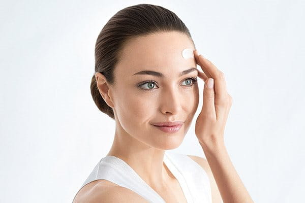 Follow serum for uneven skin tone with sun protection