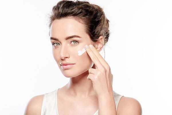 Levitä sitten ihotyypillesi ja ihosi tarpeisiin sopivaa hoitotuotetta.