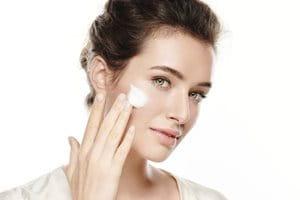 Ansiktsrengöring för känslig hud