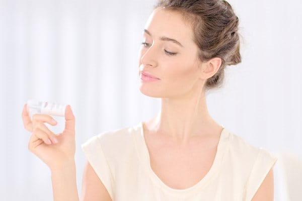 Agita il siero anti-età Vitamin C