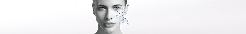Visage de la femme avec illustration du système d'hydratation naturel de la peau.