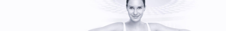 Donna con pelle sensibile