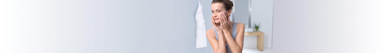 Femme à la peau sensible