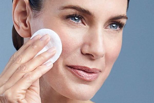 Appliquez la lotion Eucerin