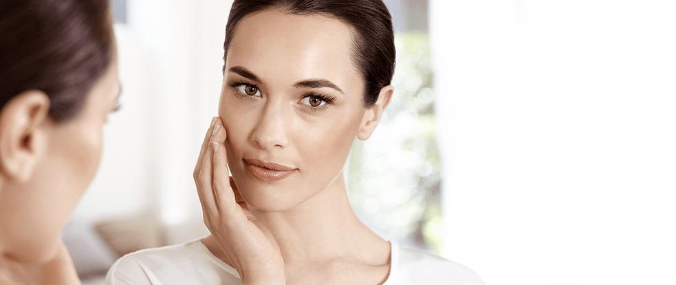 Žena sa suhom kožom lica