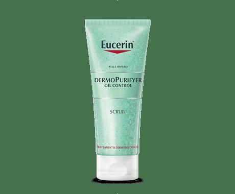 Scrub per la pelle con acne e punti neri